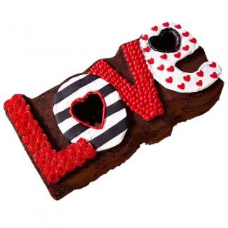 L O V E Cake