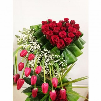 The Best Heart Roses Combination with Tulips