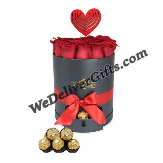 HUG ME Roses in Cylindre Box with Ferrero
