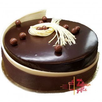 Mousse Chocolate Maltesers Cake