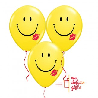 Red Lips Lipstick Smiley Balloons bouquet