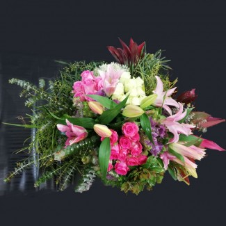 Chic Luxury heartwarming flowers bouquet